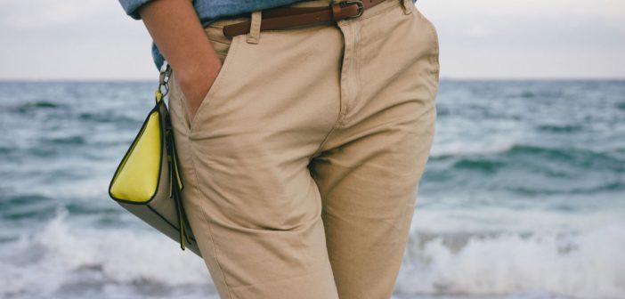 Que porter avec un pantalon beige le mag conso - Comment porter un pantalon beige ...