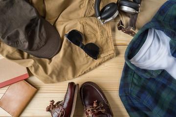 quelles chaussures porter avec un pantalon chino le mag conso. Black Bedroom Furniture Sets. Home Design Ideas